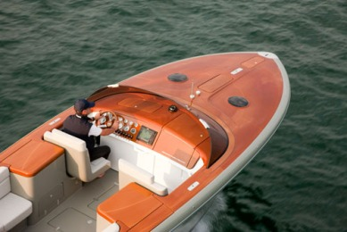 Marc Newson Designs Limited Edition Luxury Speedboat for Riva